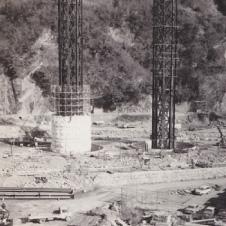 東名高速道路工事(昭和43 年)